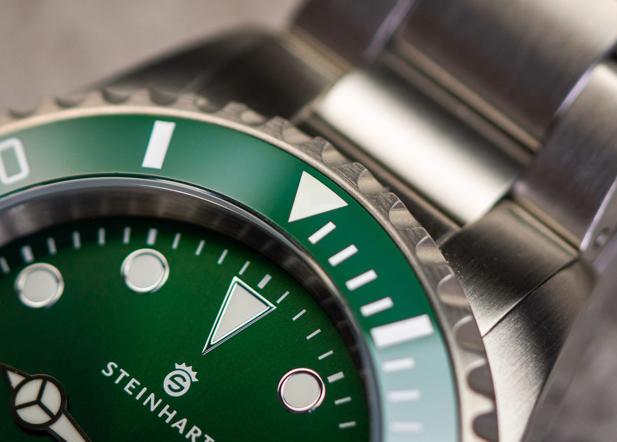 Steinhart-Ocean-One-Double-Green-Keramik-Premium-Test