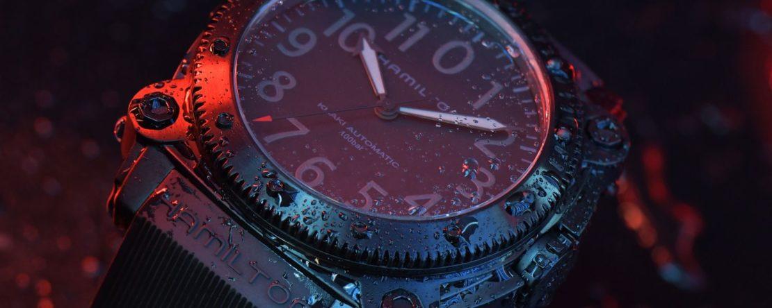 Hamilton-Belowzero-Titanium-Limited-Edition-Red_H78505332_Lifestyle-1