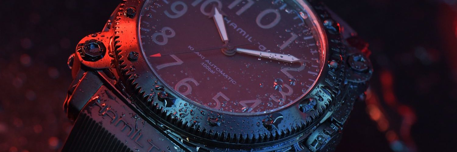 Hamilton-Belowzero-Titanium-Limited-Edition-Red_H78505332_Lifestyle-1