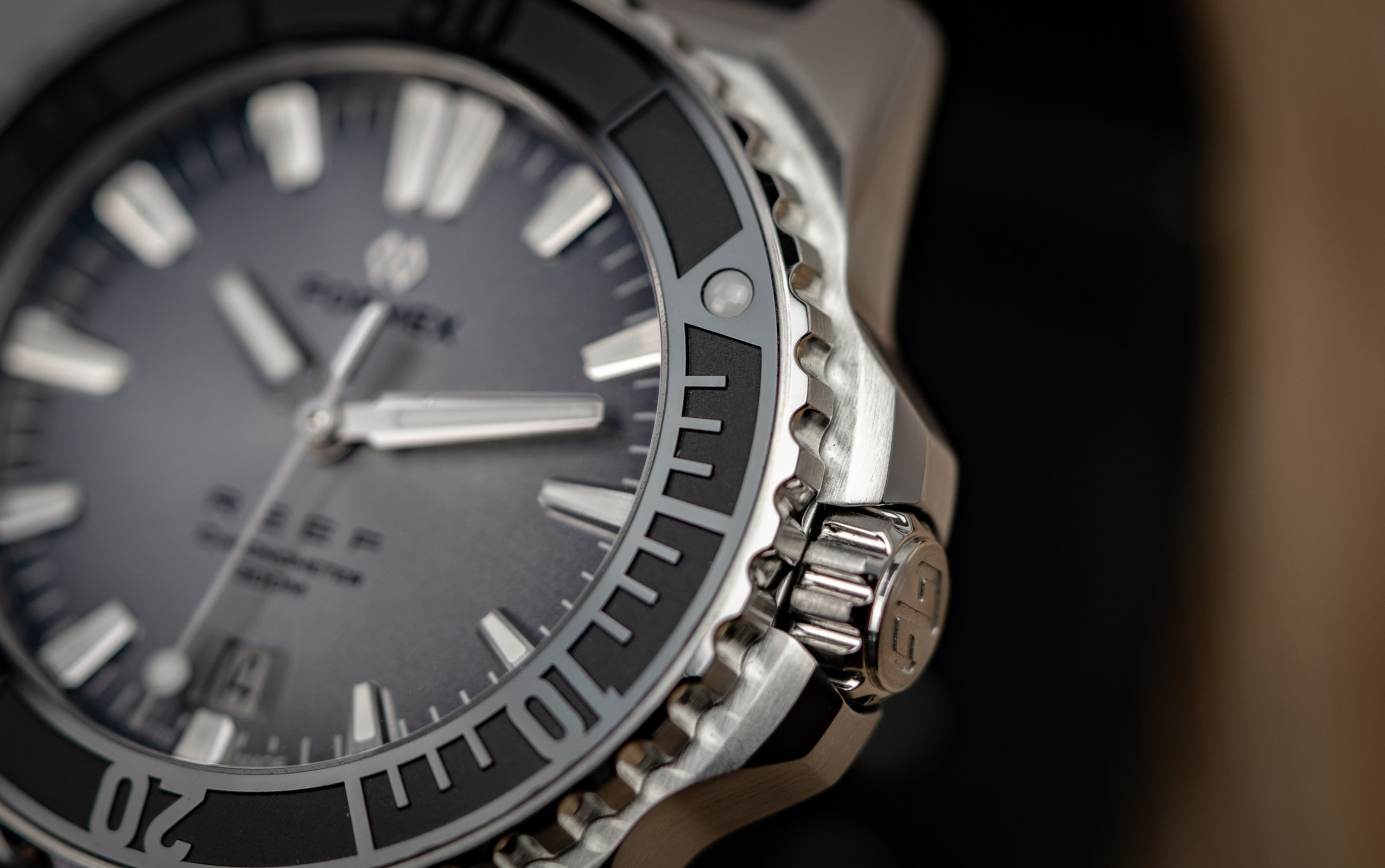 Formex-Reef-Automatik-Chronometer-300m-15-1