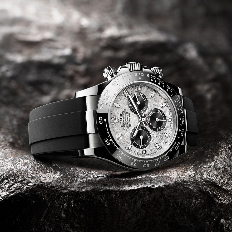new-watches-2021-cosmograph-daytona-meteorite-beautyshot