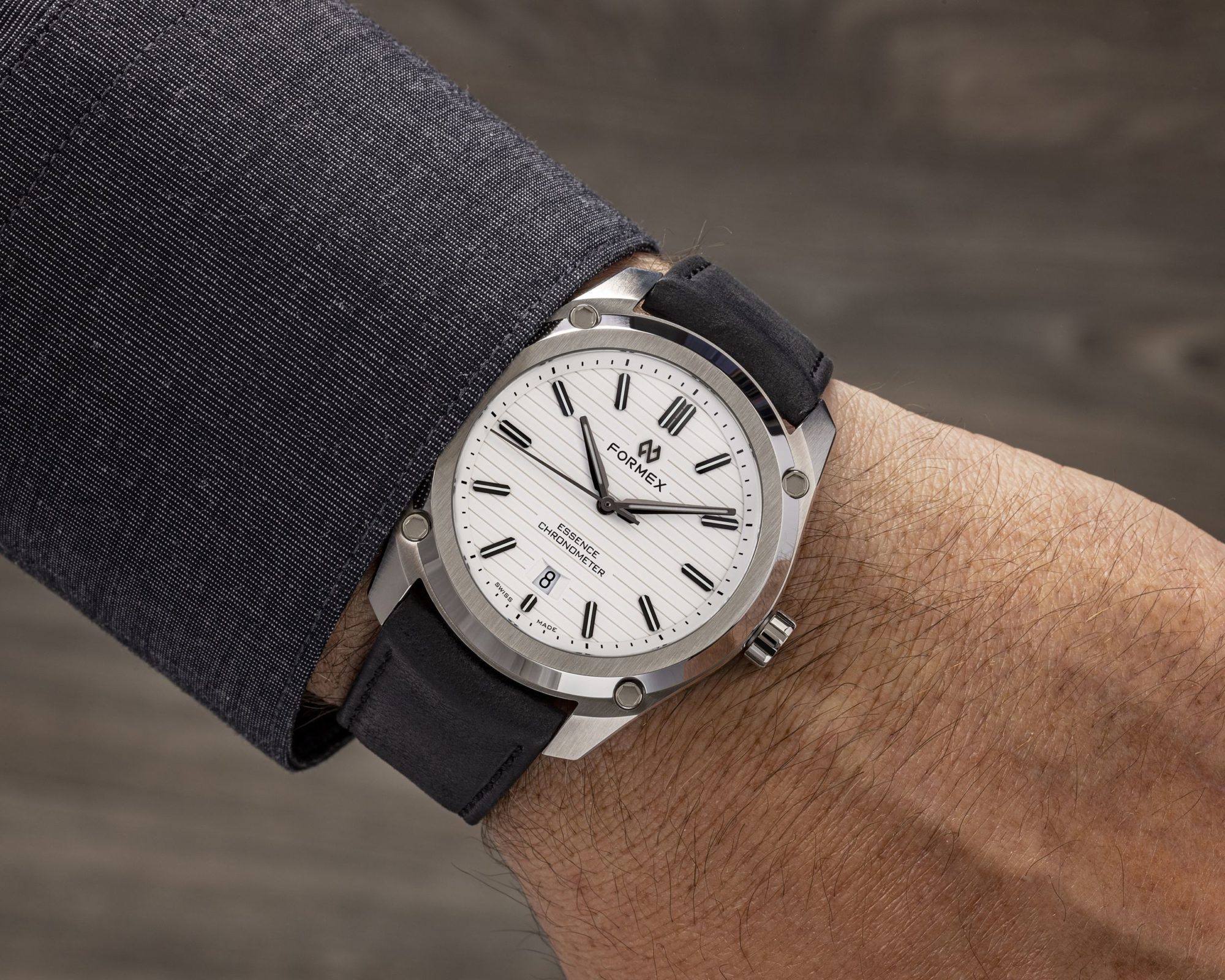 Read more about the article Test: FORMEX Essence FortyThree Automatic Chronometer [Update 2021]