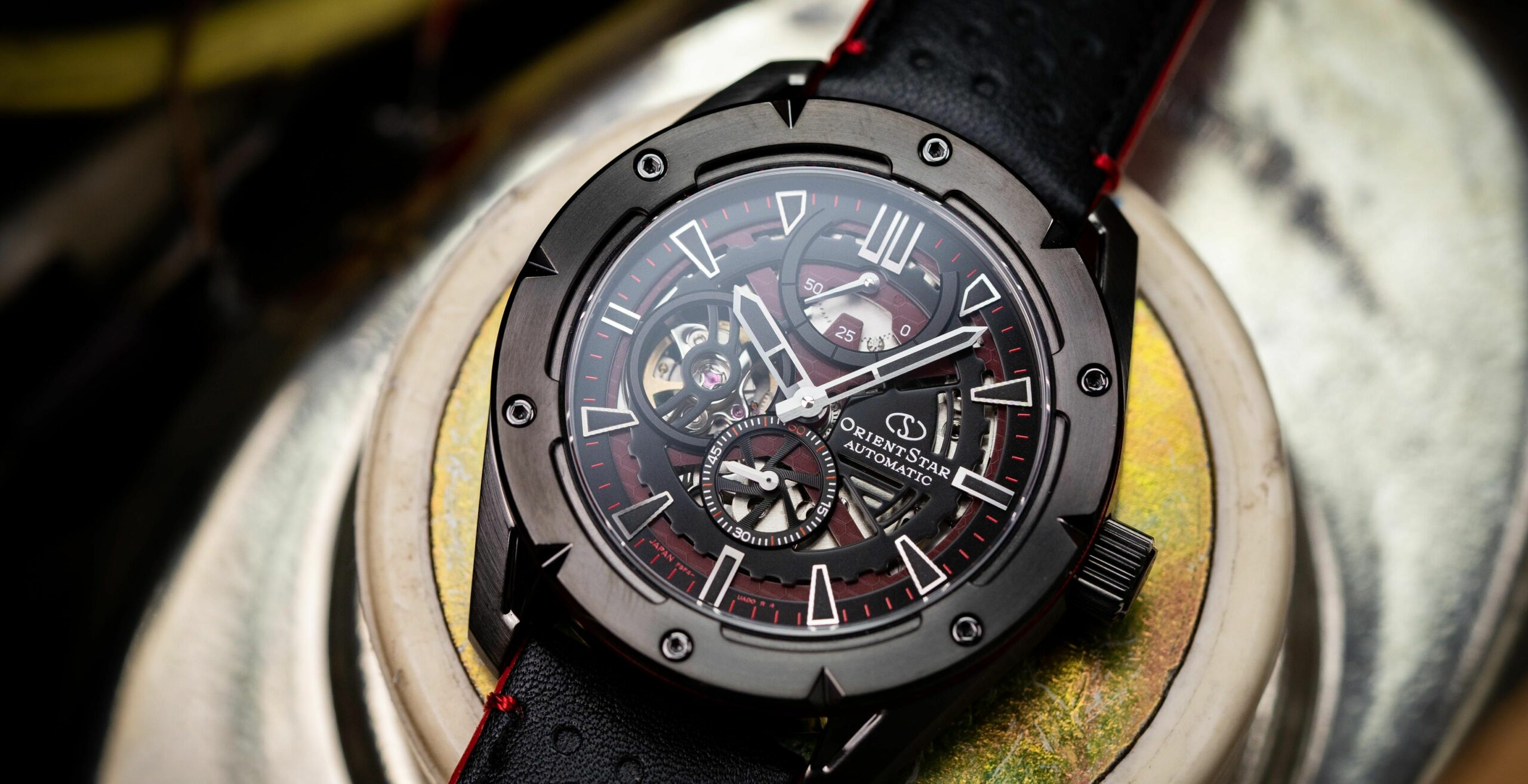 Read more about the article Orient Star Uhren: Avant-Garde Skeleton im Test